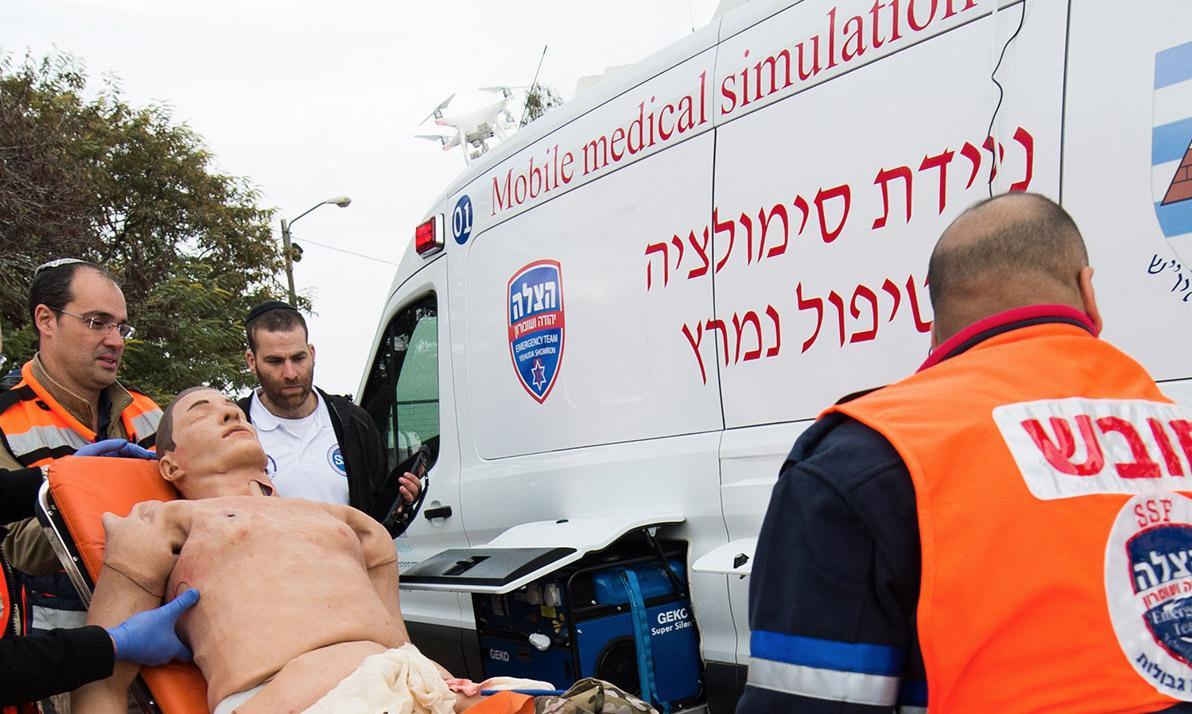 """עיצוב לוגו - מתיחת פנים ללוגו הצלה יו""""ש - hazala ambulance-"""